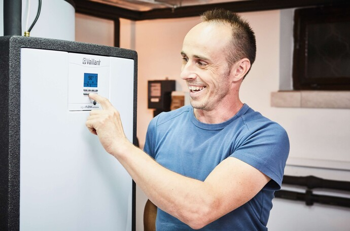 Edvard Ilešič is happy about his new heating system incl. the aguaFLOW exclusive fresh water station
