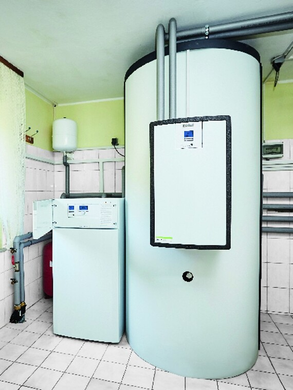 Heat pump flexoTHERM exclusive with air/water module aroCOLLECT and buffer storage allSTOR exclusive